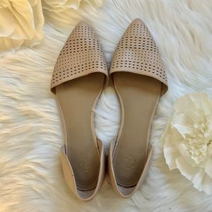 ANN TAYLOR Cream/Beige Slip on Flats